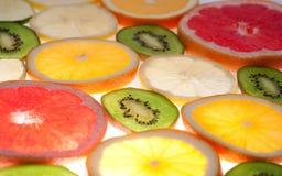 Mezcla de agrios coloridos en blanco Fotografía de archivo libre de regalías