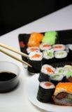 Mezcla de especialidades del sushi Imagenes de archivo