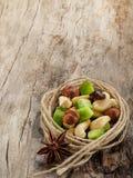 Mezcla de frutas y de tuercas secadas Foto de archivo libre de regalías
