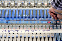 Mezclador audio de sonidos en concierto Imagen de archivo