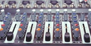 Mezclador audio, equipo de la música Fotos de archivo libres de regalías
