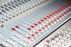 Mezclador audio profesional detallado fotografía de archivo