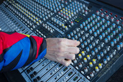 Mezclador de DJ con las porciones de botones y de botones Foto de archivo