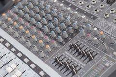 Mezclador de sonidos del tablero Imágenes de archivo libres de regalías