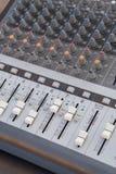 Mezclador de sonidos del tablero Fotos de archivo libres de regalías