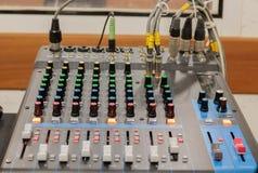 Mezclador en sitio de la grabación Foto de archivo libre de regalías