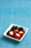Meze mit Pfeffern, Feta und Oliven Stockfoto
