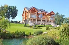 Mezhyhirya - residência privada anterior da ex-presidente Yanukovich Imagens de Stock Royalty Free