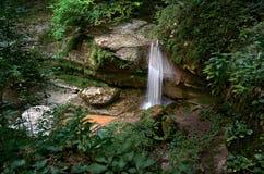 Mezmayskoe liten vik i bergen av Kaukasuset Royaltyfri Fotografi