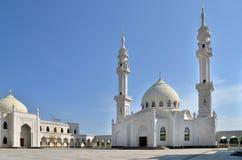 Mezquita blanca bajo construcción en Bolgar, Rusia imagen de archivo libre de regalías