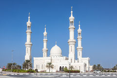 Mezquita blanca en Ajman Fotografía de archivo