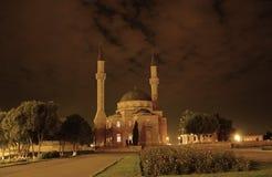 Mezquita con dos alminares en Ba Imagenes de archivo