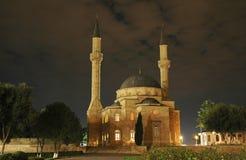 Mezquita con dos alminares en el ni Foto de archivo libre de regalías