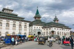 Mezquita de 200 años de Masjid Dastgeer Sahib en Srinagar, Cachemira, la India Foto de archivo libre de regalías