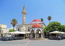 Mezquita de Deterdar en la ciudad Grecia de Kos Imagen de archivo libre de regalías