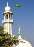 Mezquita de Haji Ali el minar y la bóveda Imágenes de archivo libres de regalías