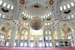 Mezquita de interior Fotos de archivo libres de regalías