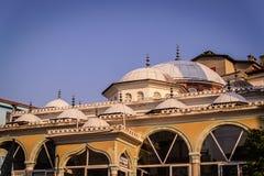 Mezquita de la pequeña ciudad Imágenes de archivo libres de regalías