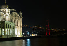 Mezquita de Ortakoy en Estambul Turquía Fotografía de archivo libre de regalías