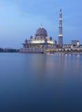 Mezquita de Putrajaya Imágenes de archivo libres de regalías
