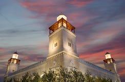 Mezquita de rey Hussein Bin Talal en Amman (en la noche), Jordania Imagen de archivo