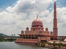 Mezquita de Rose en Putrajaya Fotos de archivo
