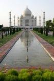 Mezquita de Taj Mahal en Agra, la India Imagen de archivo