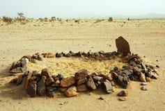 Mezquita del desierto cerca de las montañas del aire en Niger Imágenes de archivo libres de regalías