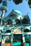 Mezquita del Islam en color ciánico de la visión inferior en Vietnam imágenes de archivo libres de regalías