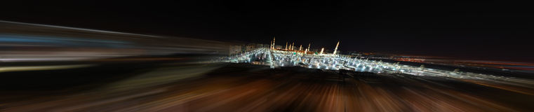Mezquita del profeta en Medina en la noche con la falta de definición Imagen de archivo