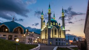 Mezquita del sharif de Kul en Kazán el Kremlin Rusia, timelapse, paisaje urbano de igualación hermoso almacen de metraje de vídeo