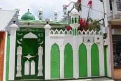 Mezquita en el puerto Mathurin, Rodrigues, Mauricio fotografía de archivo