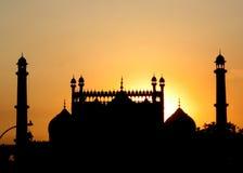 Mezquita en la puesta del sol foto de archivo