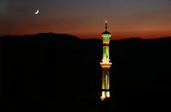 Mezquita en nightscape sirio foto de archivo