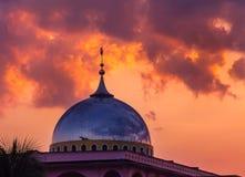 Mezquita en puesta del sol en Tailandia Fotografía de archivo