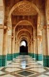 Mezquita intrincada del mármol y de Hassan de la arcada del mosaico Fotos de archivo libres de regalías