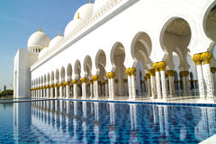 Mezquita magnífica Abu Dhabi Foto de archivo libre de regalías