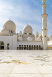 Mezquita magnífica Abu Dhabi Imagenes de archivo