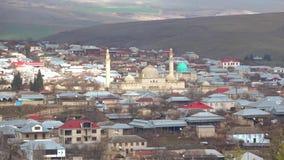 Mezquita medieval de Juma en el día moderno de Shamakhi en enero azerbaijan almacen de video