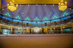 Mezquita nacional - mezquita de Masjid Negara en Kuala Lumpur Fotos de archivo libres de regalías