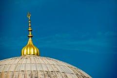 Mezquitas y alminar fotos de archivo