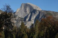 Mezza cupola come visto dalla valle di Yosemite Fotografia Stock Libera da Diritti