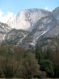 Mezza cupola di Yosemite dalla valle fotografia stock