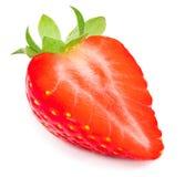 Mezza fragola isolata su fondo bianco Strawberr maturo rosso Fotografia Stock