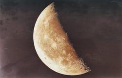 Mezza luna in un'immagine tonificata con la tecnica di lerciume immagine stock libera da diritti