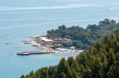 Mezzavalle-Strand adriatisches Meer des Sommers Stockbilder