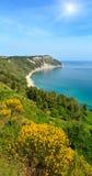 Mezzavalle-Strand adriatisches Meer des Sommers Lizenzfreie Stockfotos