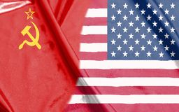Mezze bandiere dell'URSS e di U.S.A. insieme immagine stock