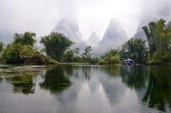In mezzo del fiume di Yulong immagine stock libera da diritti