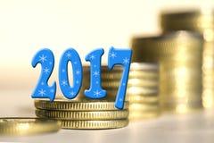 2017 in mezzo delle monete delle barre Immagini Stock Libere da Diritti